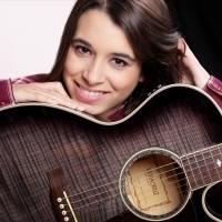 La cantante asturiana está grabando el que será su primer álbum, saldrá a la venta el 16 de abril, historias personales de su puño y letra.