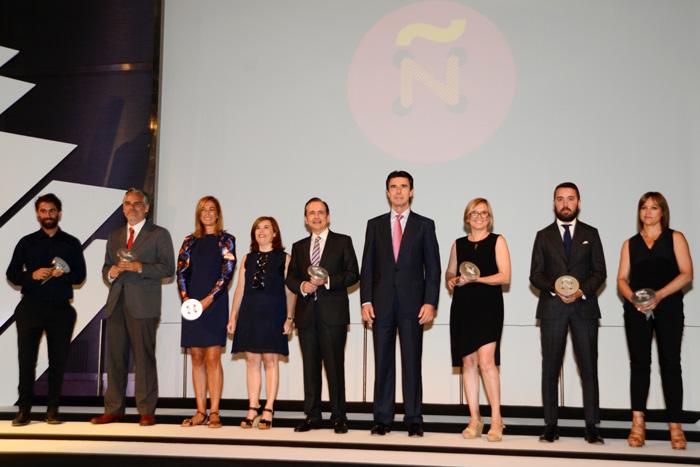Andres Sarda Premio Nacional al dise+¦ador por Trayectoria I copia portada
