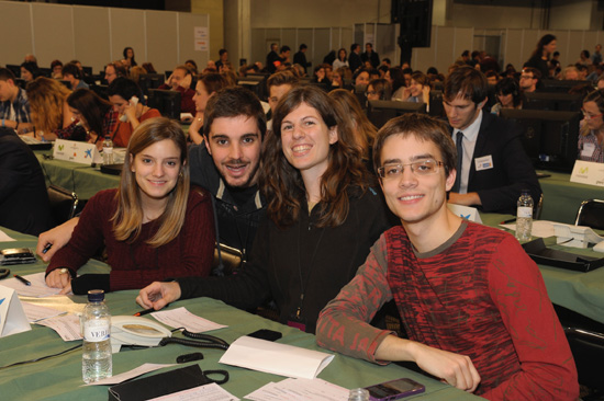 """Els integrants del Quartet Mèlt, guanyadors de la darrera edició del programa """"Oh Happy Day"""", de TV3, a la seu telefònica de La Marató a la Fira de Barcelona"""