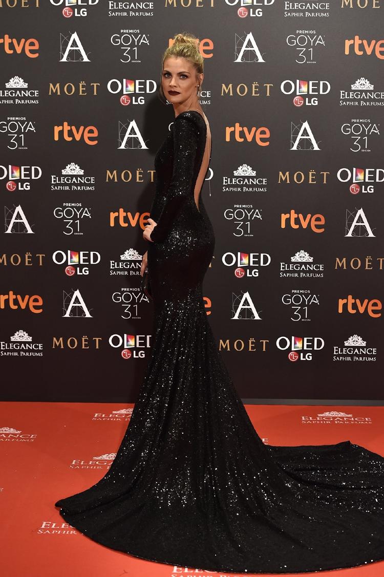 d4782db032 PRONOVIAS viste a Amaia Salamanca en la Gala de los Premios Goya ...