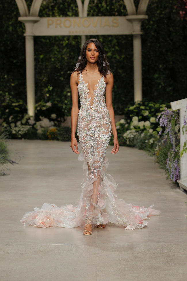 PRONOVIAS FASHION SHOW_Cindy Bruna