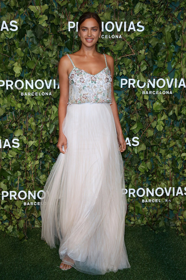 PRONOVIAS FASHION SHOW_Irina Shayk