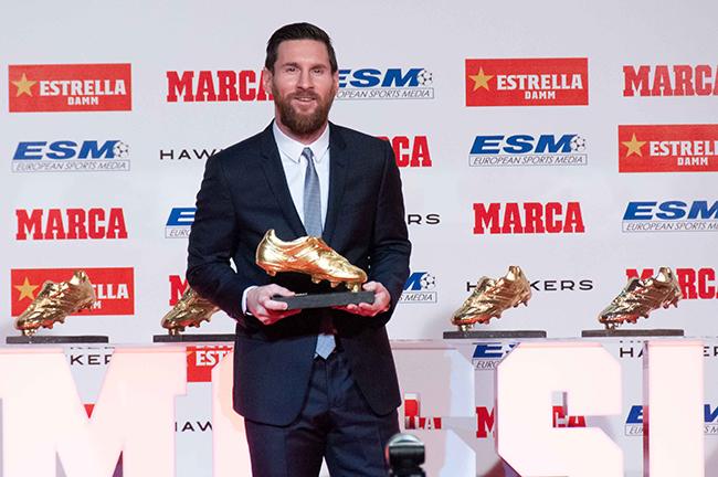 Leo Messi con su quinta bota de oro Barnafotopress.jpgcopia