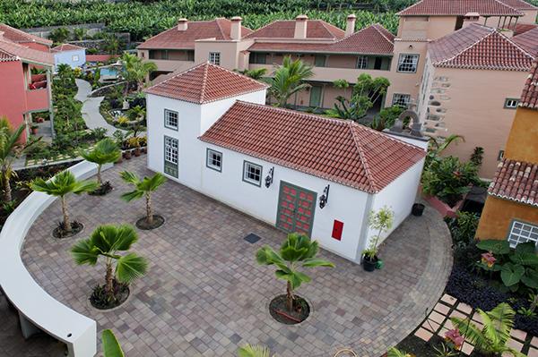 capilla-y-jardin-hotel-hacienda-de-abajo_23162445833_o